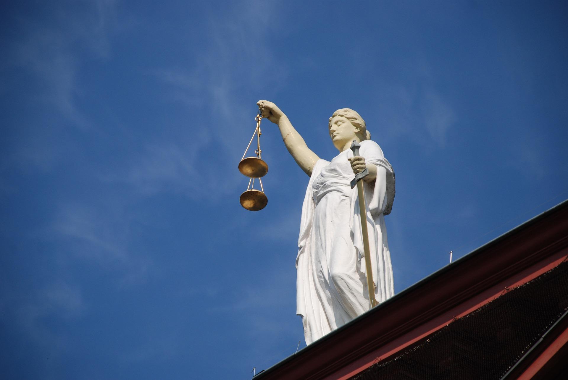 Žalobce proti Nejvyššímu soudu ČR